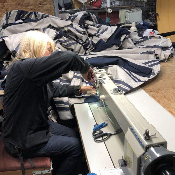 Couturière réparation toile bateaux