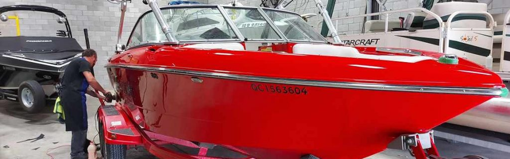 Bateau de wake mastercraft 2001 compound/ polissage
